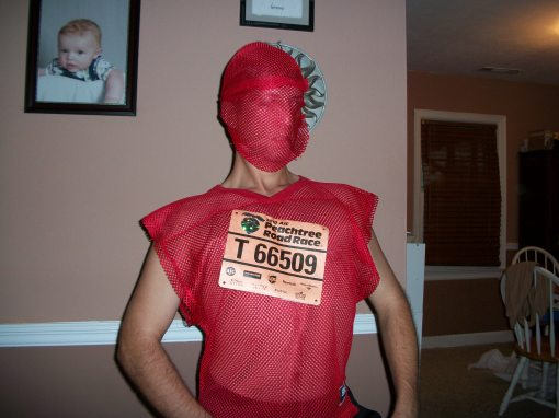 Getting psyched to run the world's largest 10k in 2011. I sprained my knee 200 yards from the finish line and thought I would never run again, ha!