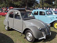 200px-1955_Citroen_2CV